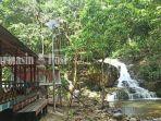 wisata-kalsel-pemandangan-air-terjun-riam-bainggi-di-desa-dayak-pitap-balangan-01072021.jpg