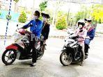 wisuda-drive-thru-di-kampus-poliban-banjarmasin-kalsel-rabu-29092021.jpg