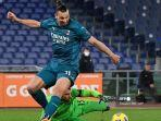 zlatan-ibrahimovic-as-roma-vs-ac-milan-liga-italia-serie-a-pau-lopez.jpg