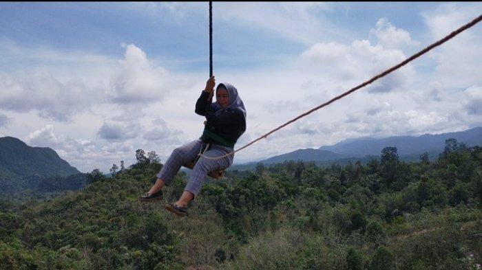 Wisata Kalsel, Setelah Mendaki Puncak Bukit, Lanjut Uji Nyali Naik Ayunan Langit
