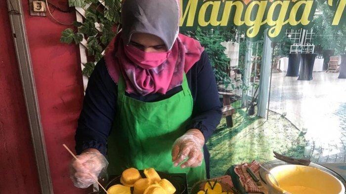 Ingin Nikmati Bingka Barandam, Cukup Pesan di Pasar Wadai Online