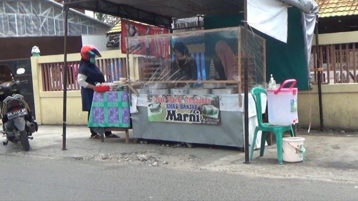Mulai dari Bisnis Rumahan, Kini Usaha Kue Khas Banjar Ala Marni Punya 9 Cabang di Kapuas