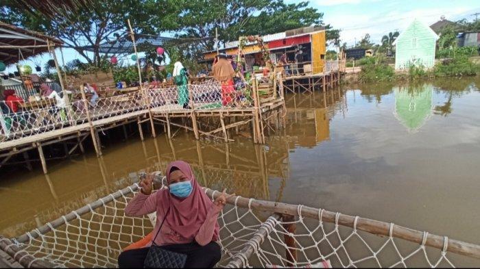 Puas dengan Spot Foto di Padis Cafe, Warga Kotabaru ini Ngaku Tahu Dari Teman