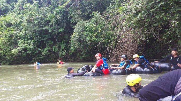Sebelum Susur Sungai Desa Teratau Tabalong, Pengunjung Dilarang Memakai ini Kecuali Pelampung, Helm