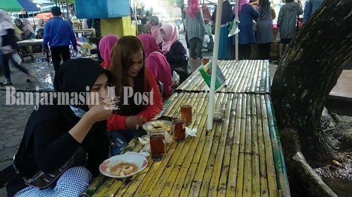 Jalan-jalan ke Kawasan Wisata Kuliner (KWK) Mawarung Baimbai Banjarmasin, Cicipi Kudapan Khas Banjar