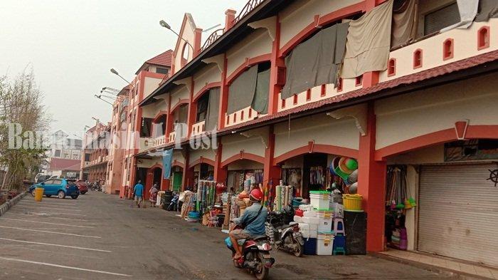 Siang Jadi Pusat Perbelanjaan Mentaya di Sampit, Malam Hari Jadi Lokasi Wisata Kuliner