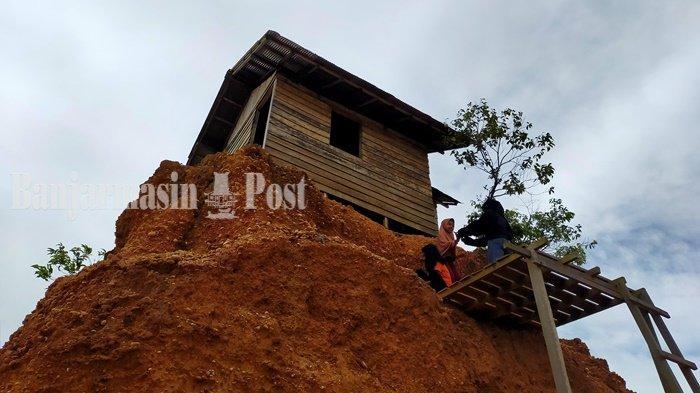 Wisata Kalsel, Uniknya Rumah Jomblo Itu Berdiri di Atas Sebuah Tanah