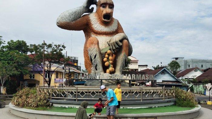 Patung Bekantan Raksasa Jadi Ikonik Wisata Kalsel Taman Maskot Bekantan Banjarmasin