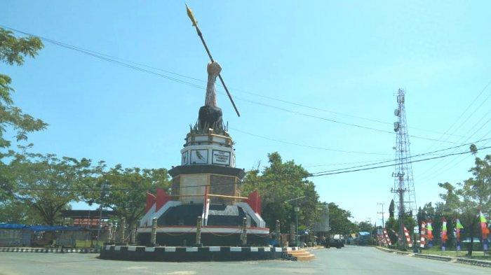 Wisata Kalsel Monumen Perjuangan 7 Februari Pagatan di Bundaran Tugu Pertigaan Pusat Kota