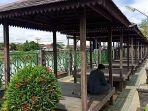 foto-milna-gazebo-di-rth-kartasuta-jembatan-kh-anang-sya-rani-arif-kh-salim-maruf.jpg