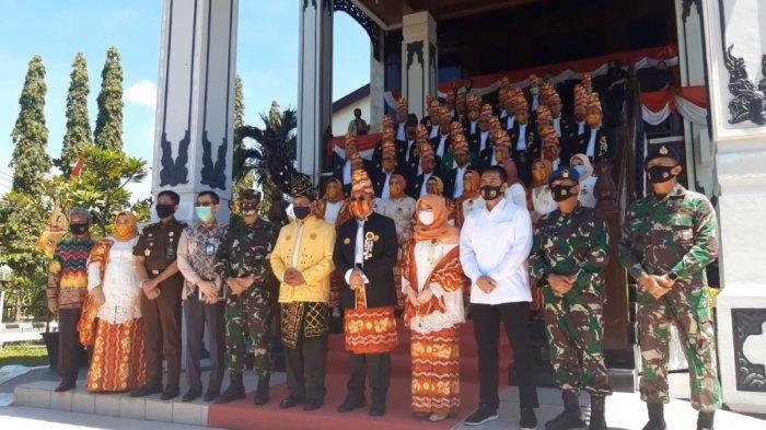 Pembacaan Sejarah Kalsel di Rapat Paripurna Istimewa DPRD Kalsel