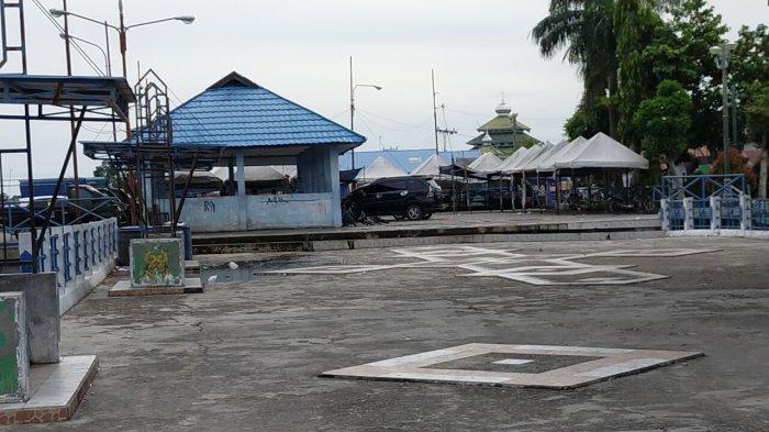 Pelabuhan Rambang Jalan Riau Kelurahan Pahandut Kecamatan Pahandut Palangkaraya, Kalimantan Tengah
