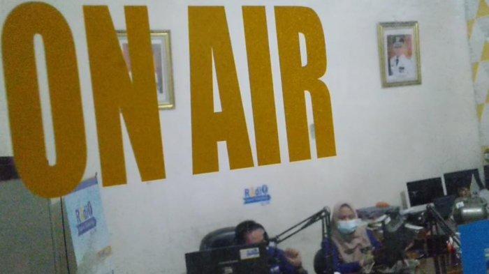 LPPL Radio Suara Tabalong Gencar Informasikan Perkembangan Covid- 19
