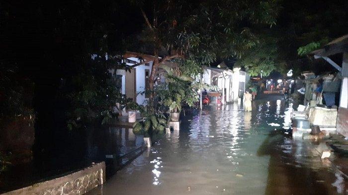 Ratusan Rumah dan 2 Pondok Pesantren di Lebak Terendam Banjir Saat Warga Hendak Sahur