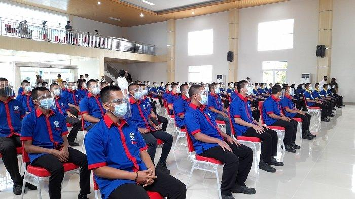 Sebanyak 368 orang peserta mengikuti Pelatihan Berbasis Kompetensi gelombang I Tahun 2021 di Balai Besar Pengembangan Latihan Kerja (BBPLK) Serang di Jalan Raya Pandeglang, Kecamatan Cipocok Jaya, Kota Serang, Banten, Kamis (25/2/2021).