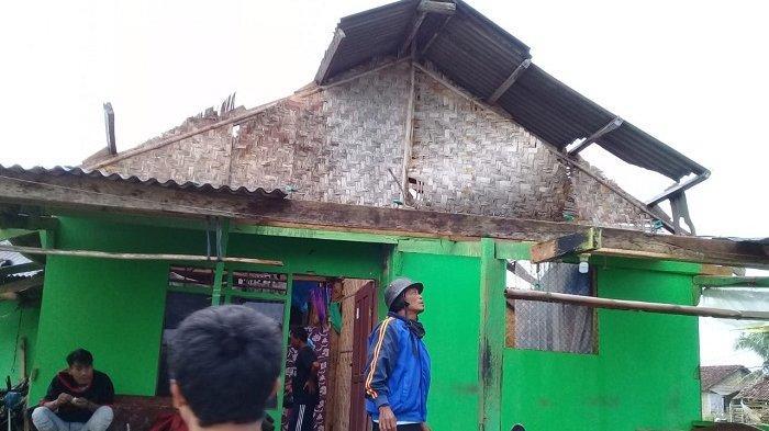 50 Rumah di Pandeglang Rusak Hingga Roboh Disapu Puting Beliung