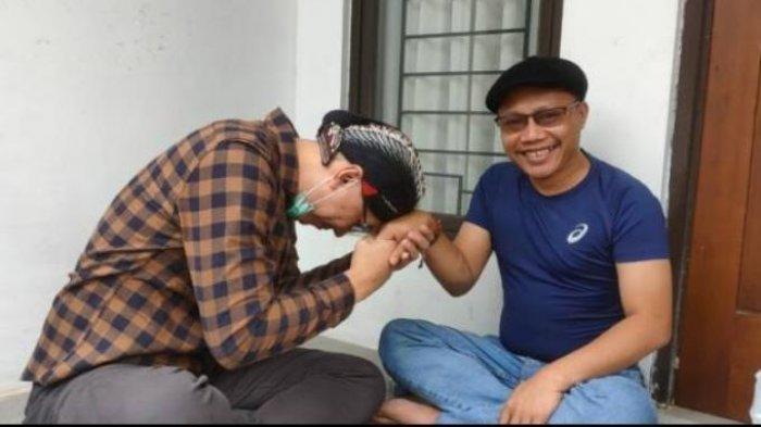 Abu Janda Datangi Rumah Ketua Umum Pimpinan Pusat Muhammadiyah Sunarto, Ada Apa?