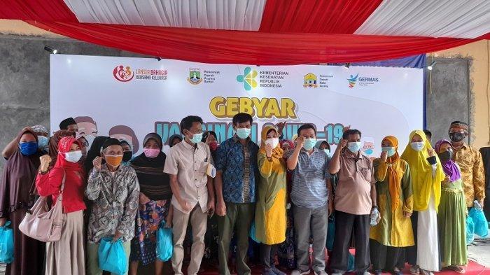 Melihat Layanan Pemberian Vaksin untuk Lansia di Acara Gebyar Vaksinasi Covid-19 Kota Serang