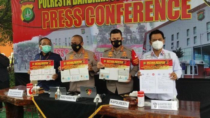 Terungkap! 7 WNA India Lolos Karantina karena Pakai Joki di Bandara Soekarno-Hatta, Punya Kartu Pas