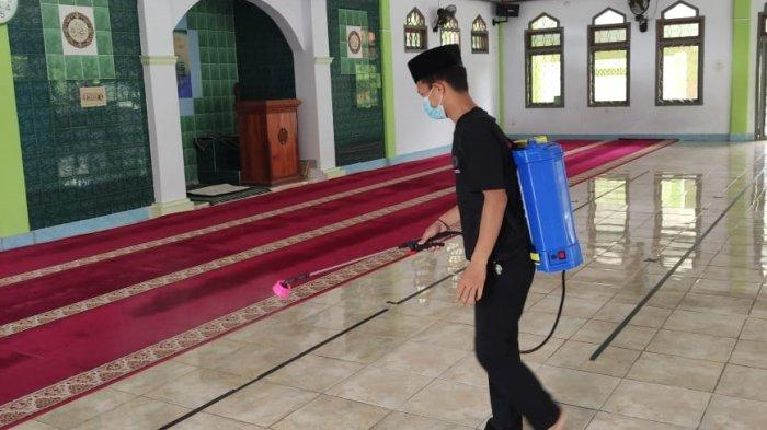 Angrit, pemuda asal RT 02/03 Kampung Lebak Waru, Desa Cimarga, Kecamatan Cimarga, Kabupaten Lebak, viral di media sosial