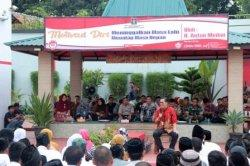 Anton Medan saat memotivasi warga binaan Rutan Kelas IIB Serang, Jumat (31/1/2020).