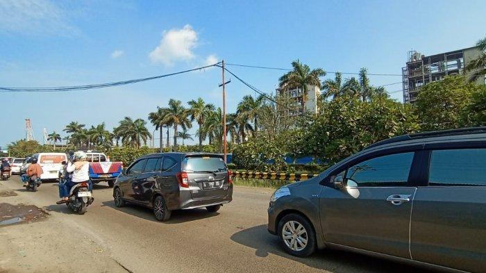 BREAKING NEWS : Akses Menuju Pantai Anyer-Carita Macet Total, Kendaraan Tak Bergerak Selama 3 Jam