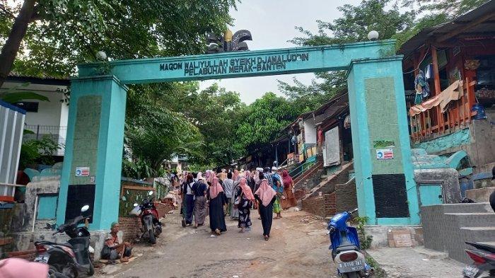 Minat Wisata Religi di Banten Meningkat Jelang Ramadan, Warga Padati Makam Syeikh Jamaludin