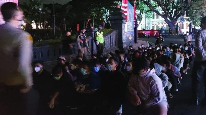 Rayakan HUT Arema FC dengan Gelar Konvoi, Puluhan Penggemar Diamankan Polisi, Begini Kronologinya