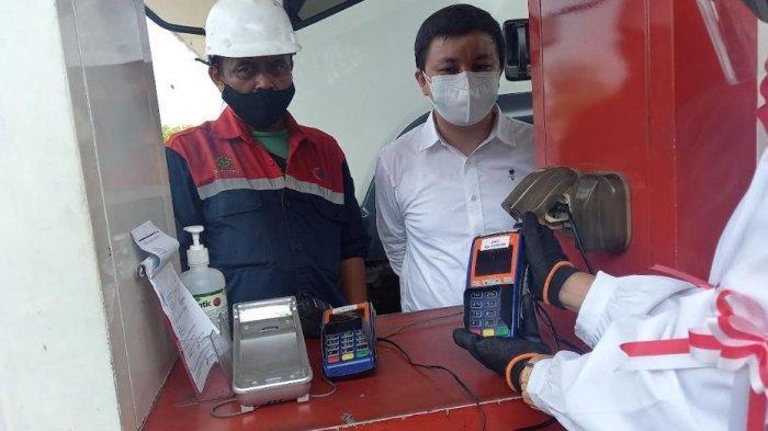 Asosiasi pengusaha truk Indonesia Banten menggelar peluncuran sistem pembayaran non tunai menggunakan fuel card Brizzi untuk pembelian Bahan Bakar Minyak, Selasa (17/8/2021).
