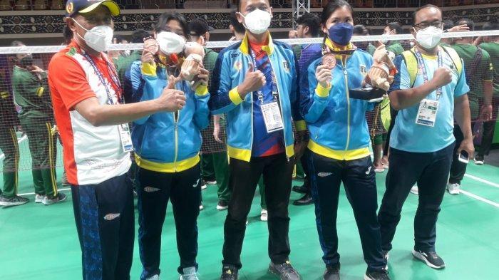 Tryola dan Serena, Atlet Bulutangkis Ganda Putri Banten Meraih Perunggu pada PON XX Papua