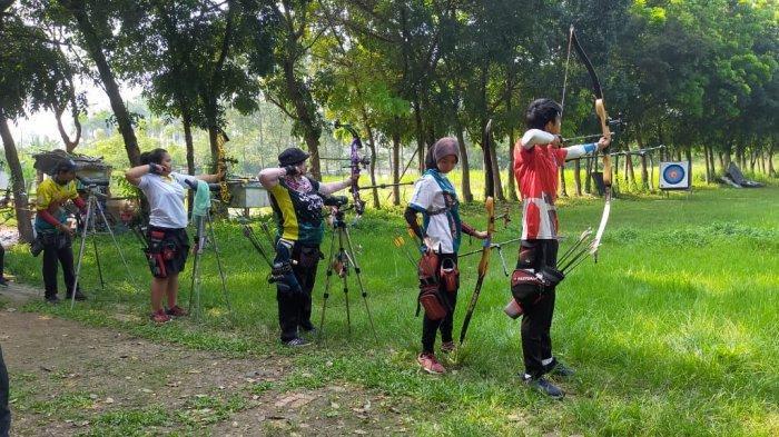 Para Atlet Panahan Asal Banten Siap Meraih Medali Emas Kategori Compound di PON XX Papua