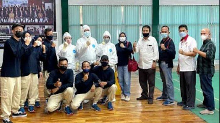 Atlet Terbang Layang asal Banten Berangkat ke Papua Bawa Baju Khas Baduy