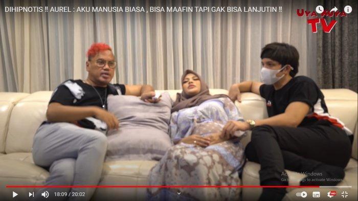 Aurel Hermansyah dan Atta Halilintar saat menjadi bintang tamu di kanal YouTube Uya Kuya TV