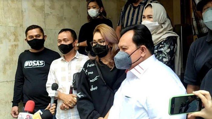 Kuasa Hukum Sebut Niat Keluarga Ayu Ting Ting Datangi Orangtua Haters KD untuk Silaturahmi