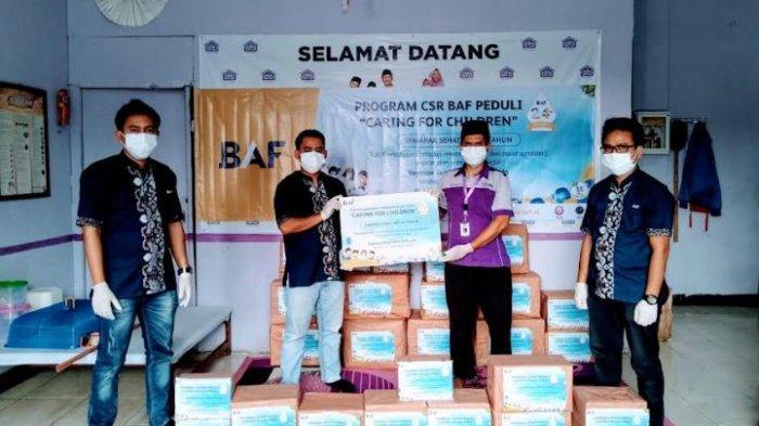 BAF Beri Seratus Bingkisan Berisi Vitamin dan Hand Sanitizer Untuk Anak Yatim di Serang