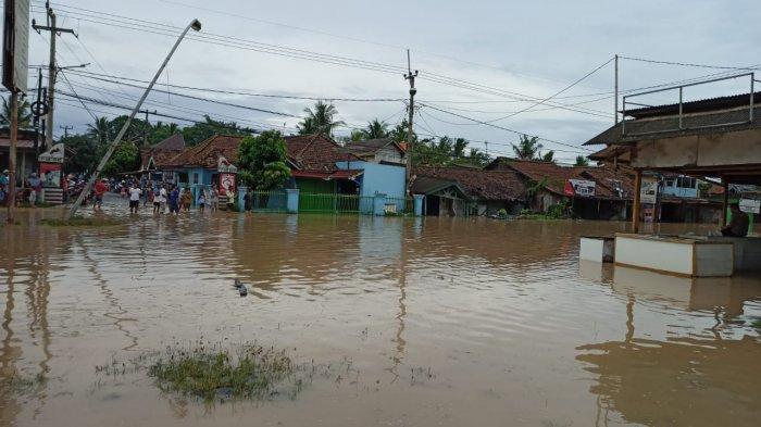 BREAKING NEWS: Banjir, Akses Jalan Lingkar Selatan ke Anyer Tidak Bisa Dilalui, Jalur Dialihkan