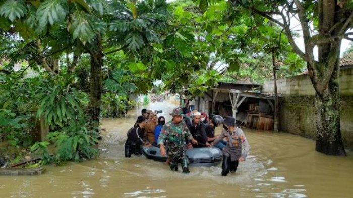 Cerita Warga Saat Detik-Detik Banjir Masuk Rumah di Lebak, Lagi Tertidur Pulas Tiba-Tiba Kasur Basah
