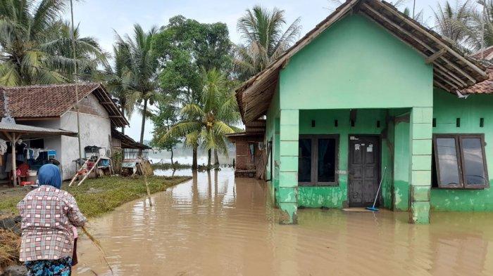 Sebanyak 1.239 Rumah di Lebak Terendam Banjir Pasca-Hujan Lebat dan 23 Desa Kena Rob