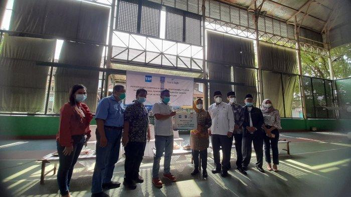 48 Penerima di Kabupaten Serang Dapat Bantuan Corporate Social Responsibility dari Bank bjb