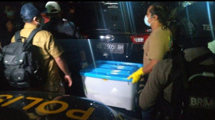 Densus 88 Temukan Bahan Peledak di Bekas Markas FPI, Pengacara Munarman Bilang untuk Pembersih WC