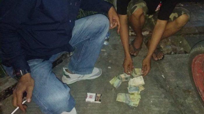Polisi Tangkap 3 Orang di Pintu Keluar Pusat Perbelanjaan Kota Cilegon, Diduga Melakukan Pungli