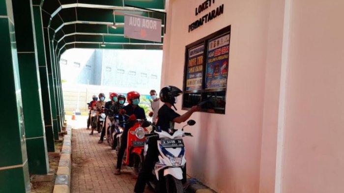 Warga Kabupaten Serang Kini Bisa Bayar Pajak Kendaraan Lewat Drive Thru di Samsat Ciruas