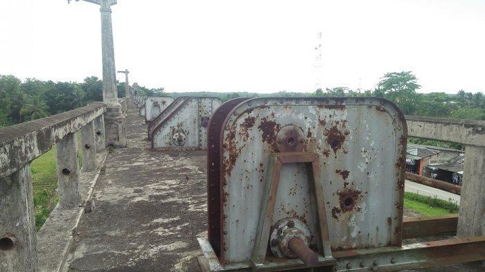Kondisi alat untuk menjalankan pintu air pengganti di Bendungan Lama Pamarayan.