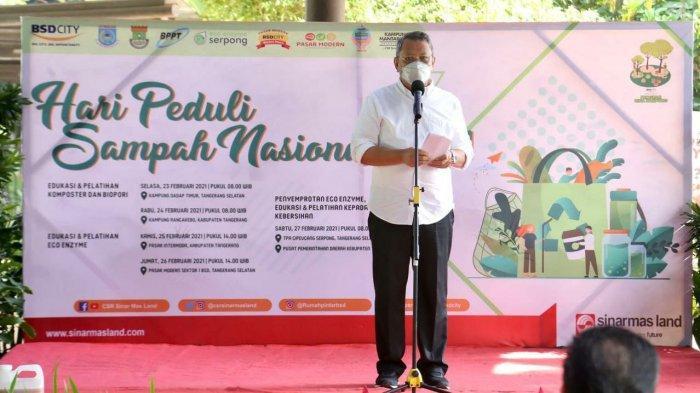 Wakil Wali Kota Tangsel Benyamin Davnie memberikan sambutan pada peringatan Hari Peduli Sampah Nasional (HPSN) 2021 yang digelar Sinarmas Land di The Breeze BSD City, Sabtu (27/2/2021).