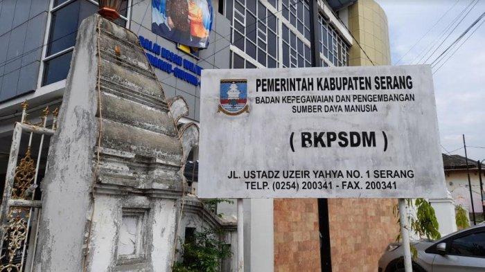 Pelamar CPNS dan PPPK Kabupaten Serang Sudah 5.176 Orang,  Petugas Lakukan Verifikasi Data