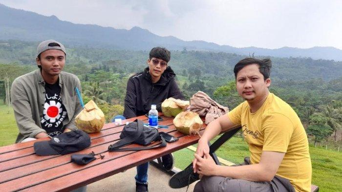 Agro Wisata Bukit Waruwangi Banten, Cocok Untuk Nikmati Senja Sambil Seruput Kopi
