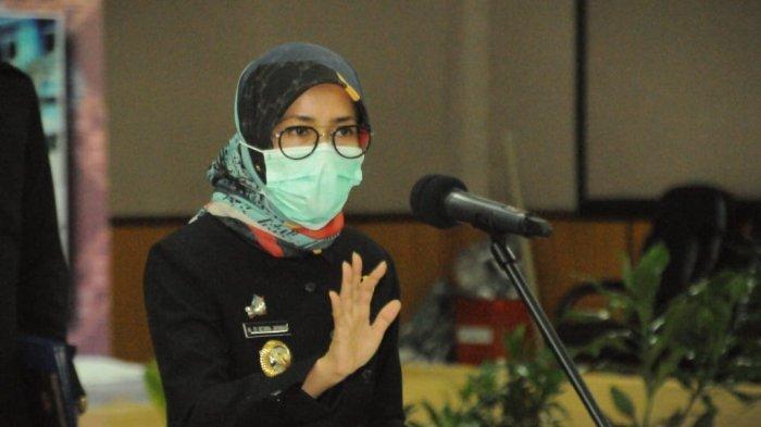 Lantik Pejabat Eselon & Serahkan SK CPNS, Bupati Iti Jayabaya: Tunjukkan Dedikasi & Loyalitas Anda!