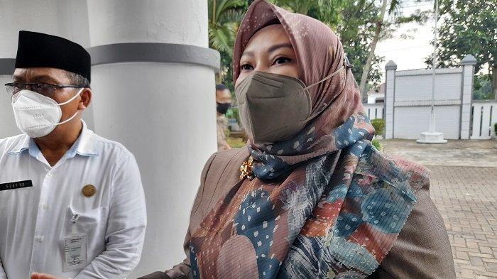 Bupati Pandeglang Irna Narulita saat ditemui di DPRD Kabupaten Pandeglang, Rabu (19/5/2021).