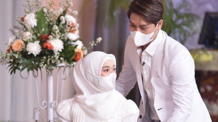 Lesti Unggah Foto Mesra Bareng Rizky Billar saat Potong Kue Pernikahan: Keberkahan yang Luar Biasa