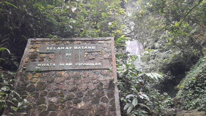 Jelajahi Pesona Curug Ciporolak di Balik Rimbunnya Hutan Gunung Salak